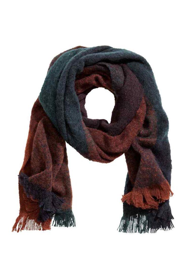 Block-print scarf Model