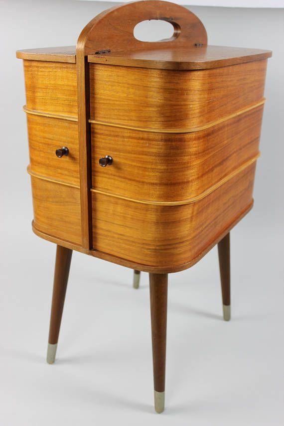 die besten 25 vintage n htisch ideen auf pinterest alte. Black Bedroom Furniture Sets. Home Design Ideas