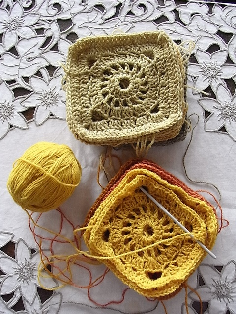 crochet, copy this pattern over and over to make a blanket, will look like original small square only BIG
