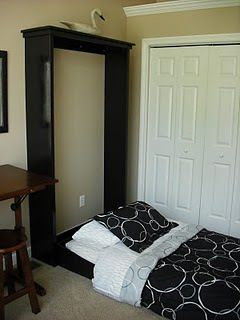 DIY Murphy Bed w/o hardware.