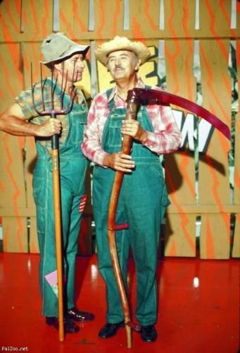 """""""Gloom, despair and agony on me..."""" Hee Haw. Loved this show"""