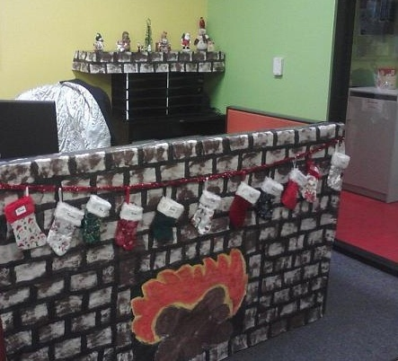 christmas office decorations. Here Are The 15 Cool Christmas Cubicle Decorating Ideas To Bring In Festive Cheer And Make It Beautiful. Read On Know At New Love Times Office Decorations