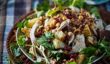 The fibre and B vitamins in this bumper salad promote energy production and wellbeing.