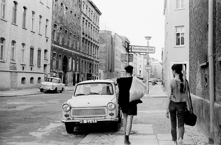 Berlin in der #DDR - Ben De Biel | repinned by an Reiseagentur für Kita- und Klassenfahrten from #Berlin / #Germany - www.altai-adventure.de | Follow us on www.facebook.com/AltaiAdventure ^