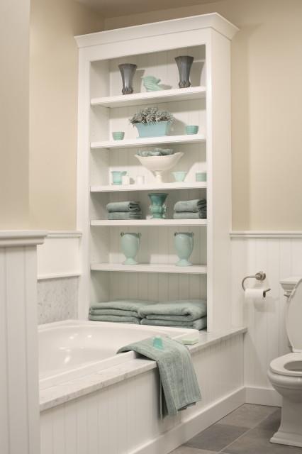 Badkamer leuk die kast bij het bad