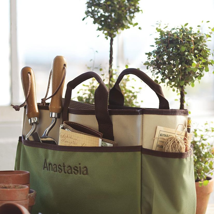 A personalized garden tote is a perfect gift for your