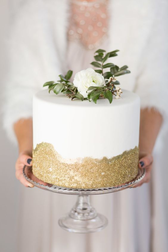 Winter White Wedding Inspiration Board | SouthBound Bride | http://www.southboundbride.com/inspiration-board-winter-white | Credit: Cavin Elizabeth Photography/Luxe Events/Sweet Cheeks Baking Company