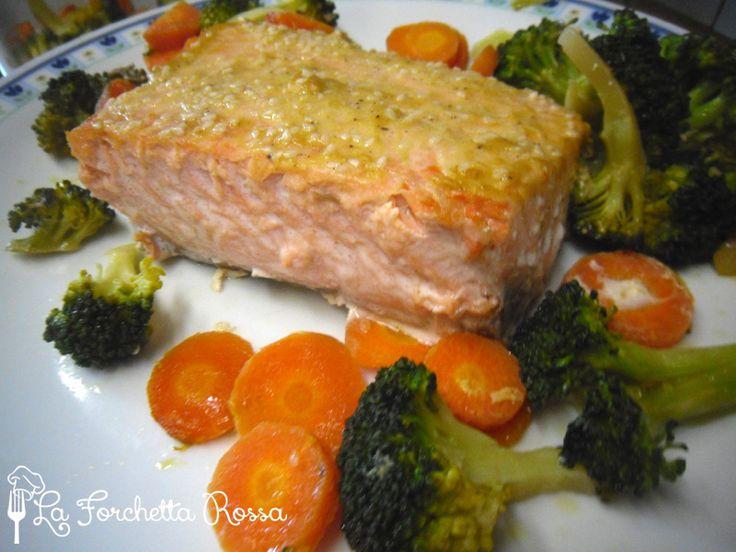 Se vi piace il salmone vi suggerisco questa ricetta appetitosa con senape e semi di sesamo.  E' un piatto leggero e completo e devo dire anc...