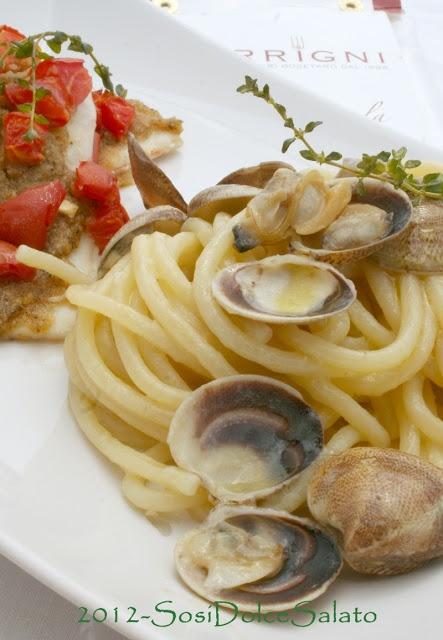 SosiDolceSalato: Domenica: Spaghettoni con le Vongole e Pesce Spatola al forno