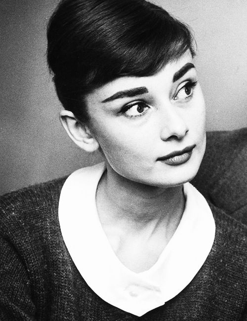 Audrey HepburnClassy Lady, Inspiration, Classic Beautiful, Audrey Hepburn, Audreyhepburn, Icons, Eyebrows, People, White Collar