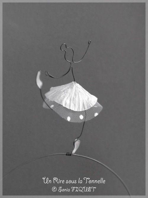 """Danseuse en fil de fer, papier et tulle - """"Ballerina Solista"""""""