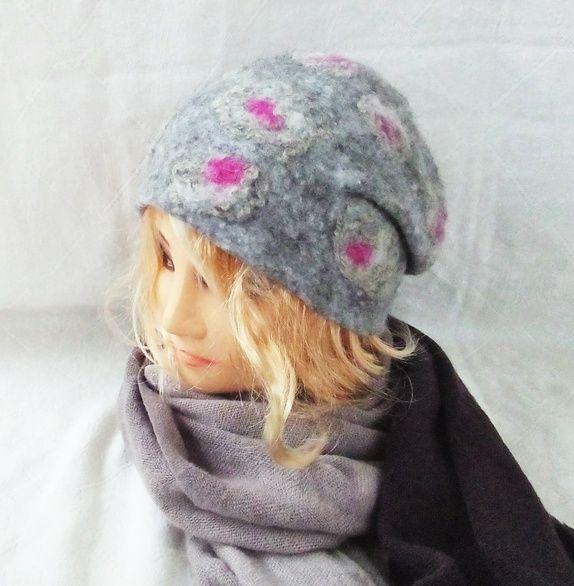 Håndlaget (filtet/tovet) av norsk og merino ull. Den modellen er solgt men jeg kan lage lignende . Håndlager i forskjellige ...