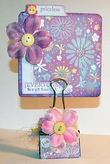 binder clip photo holderPlace Card Holders, Holders Ideas, Pictures Holders, Cards Holders, Eco Friends Crafts, Clips Pictures, Places Cards, Binder Clips Crafts, Paperclip Picture Holder