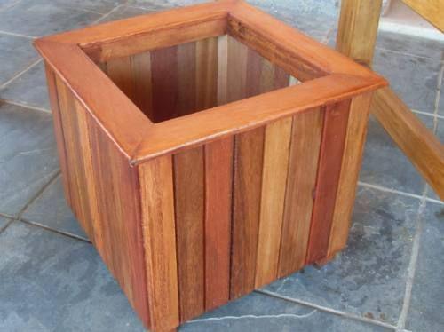 Aprenda como fazer vasos com restos de madeira que você tem em sua casa!