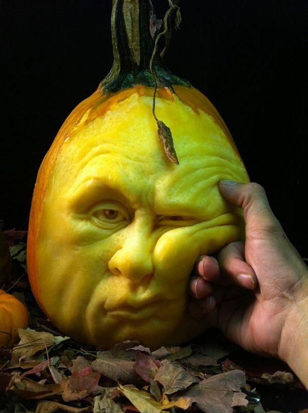 Halloween Kürbis schnitzen art gelangweilt