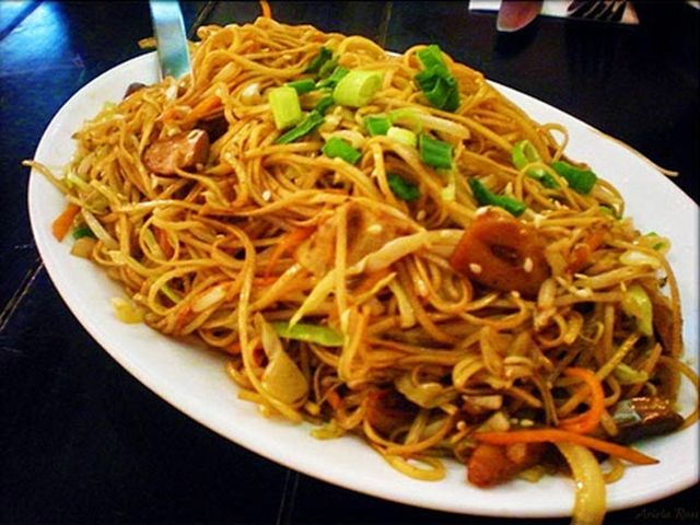 30 best chow mein recipes images on pinterest cooking food a simple szechuan style chow mein recipe prepared with chinese egg noodles and coriander all fried in the wok with red chili and szechuan peppercorns forumfinder Gallery