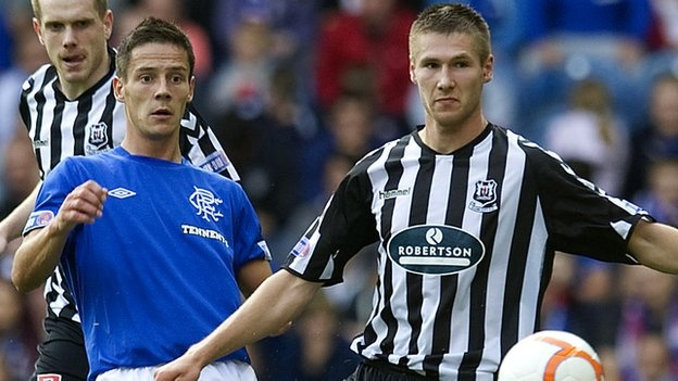 Dec 02 Scottish Cup 4thR Rangers v Elgin City