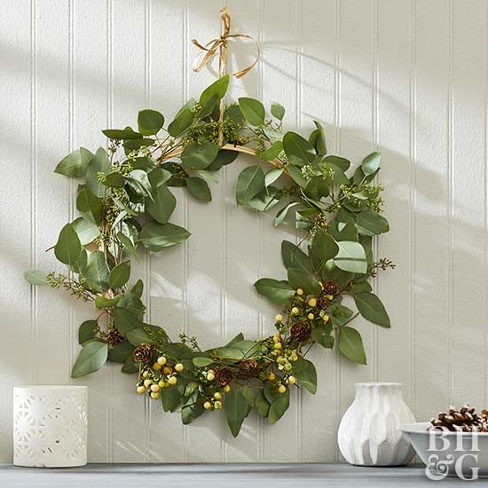 It's the perfect way to decorate for any season; create the perfectly-sized wreath for your space, and then add accents that match your decor.