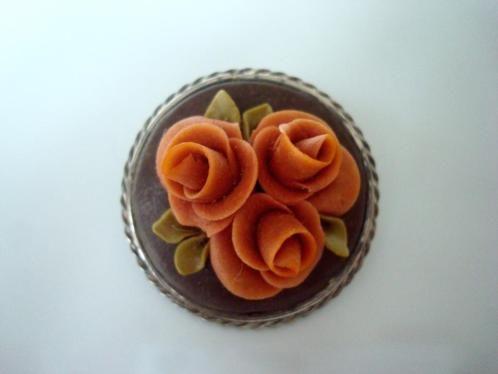 verkopers.marktplaats.nl/7443487 #Vintage 20s 30s #Rozen #roosjes #broche koraal klr #bloemen