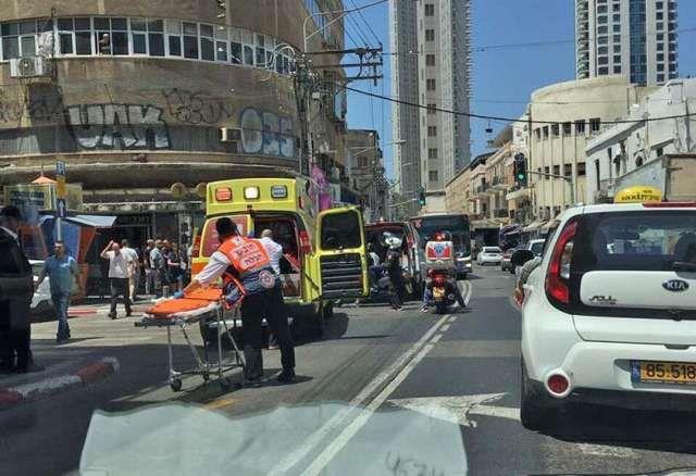 Ισραήλ: Επίθεση με αυτοκίνητο λίγο πριν την άφιξη Τραμπ!: Αυτοκίνητο έπεσε πάνω στο πλήθος στην περιοχή Nachalt Binyamin στο Τελ Αβίβ, όπως…