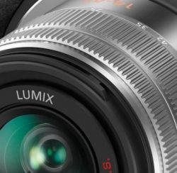The Panasonic LUMIX DMC-Gx7 gets high gauge photos and Full HD motion pictures. With Wi-Fi connectivity and NFC (Near Field Communication) advancement,...