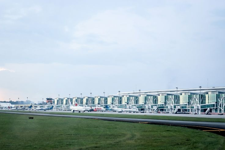 Free Hires View: Airport, aircraft terminals » HiResStock