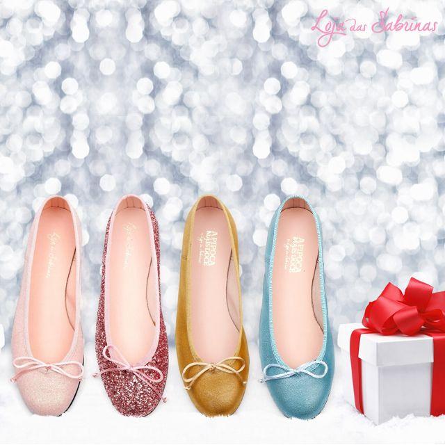 À procura do presente ideal para uma pessoa especial? Conheça os modelos que vão brilhar este natal: www.lojadassabrinas.com