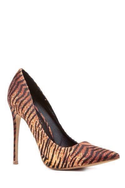 Spring has definitely sprung get into this  feisty tiger print pump. Inbox or DM for pricing. Visit us at www.the1royalboutique.com for great savings and discounts. Also take advantage of our laybuy program.  #style #instacool #photo #takeoffpost #newyork #instalike #atl #instalove #fem #awesome #20likes #trendy #branding #dapper #celebrity #designer #stylish #tagfire #love #lady #boutique #igaddict #beauty #hot #cute #picoftheday #paris #pretty #beautiful #fashion
