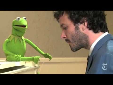 """And Kermit approves.   20 Reasons We Miss """"Flight Of The Conchords"""""""