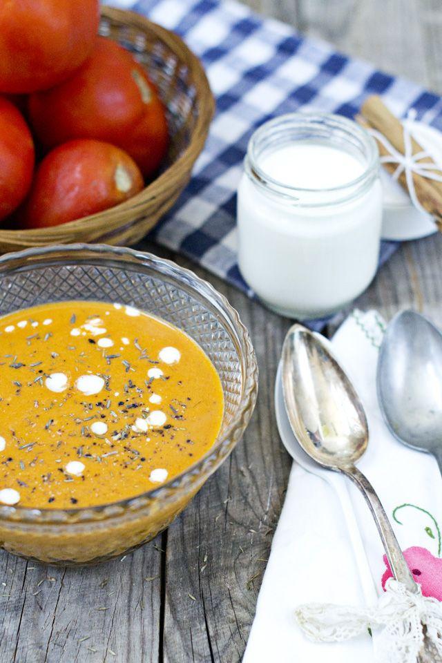 sopa de yogur y tomate griega