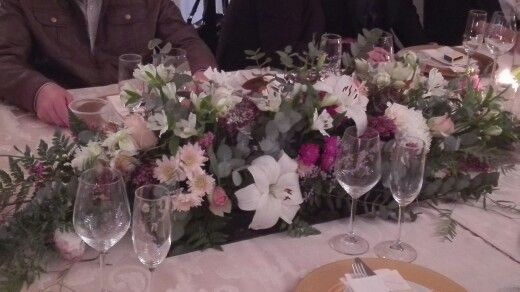 Flowers on table's well done,Michelle van Bon Cap, Great stunning Venue.