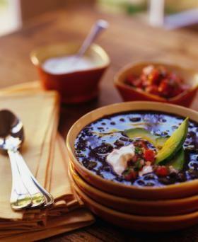Sopa de Frijoles con costilla de cerdo y masitas | Guía turística de El Salvador