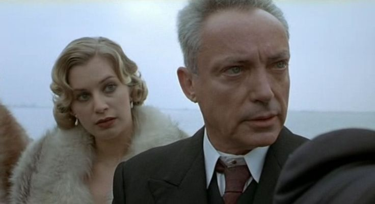 "Tina Bordihn, Udo Kier in ""Invincible"" (Werner Herzog, 2001)"