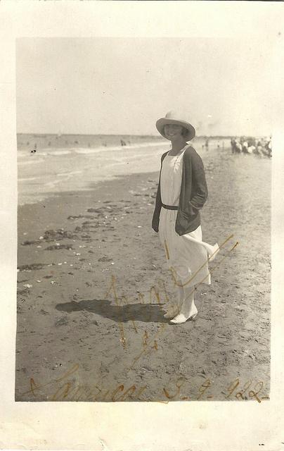 1922 summer dress hat at the shore