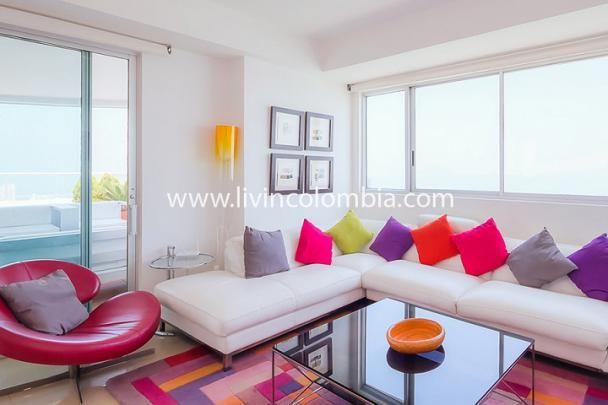 Hermoso Pent House ubicado en la zona de Bocagrande en Cartagena de Indias, al frente de la playa y a pocos pasos del sector comercial de la ciudad. disfruta de la comodidad que esta propiedad puede brindarte.