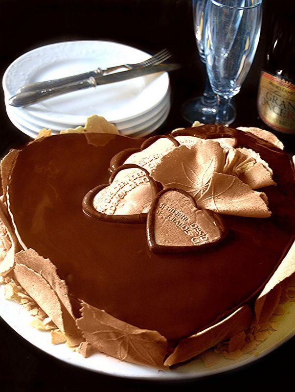 E dopo i biscotti dell'ammore vi offro un'altro dolce perfetto per   San Valentino un connubio di puro piacere e gioia per gli   occ...
