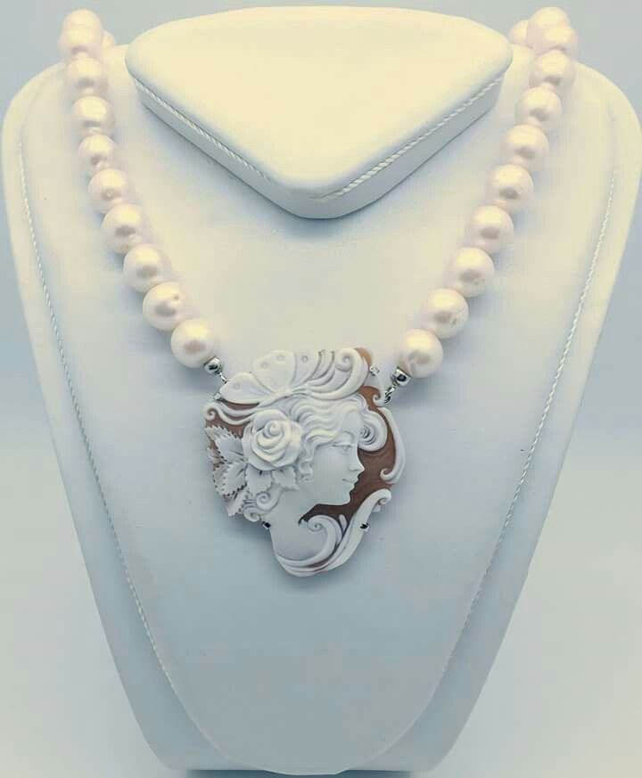 Collana di perle con cameo Facebook : Gioielleria il Diamante www.gold-jewels-italy.com