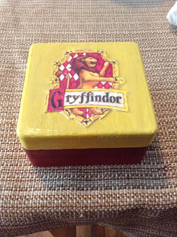 Harry Potter Crafting - HP trinket box. Easy DIY project and fun. Wooden box, acrylic paint, crest print out, and modge podge