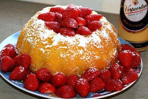 Eierlikör Rezept: lecker Pudding-Gugelhupf mit Eierlikör und Erdbeeren - Backrezepte - VERPOORTEN