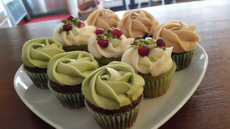Vegan mint, pistachio & peanut butter cupcakes