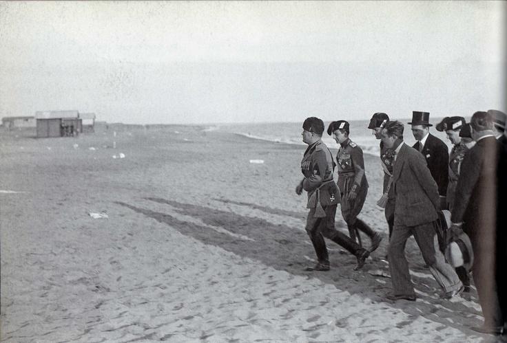 Benito Mussolini Lido di Ostia 21 aprile 1930
