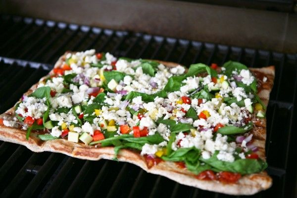 Grilled Greek Pizza by EclecticRecipes.com #recipe