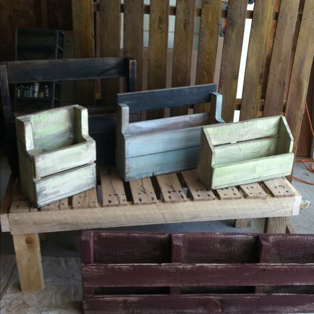 Wood pallet project ideas. Saw, sander, and paint!