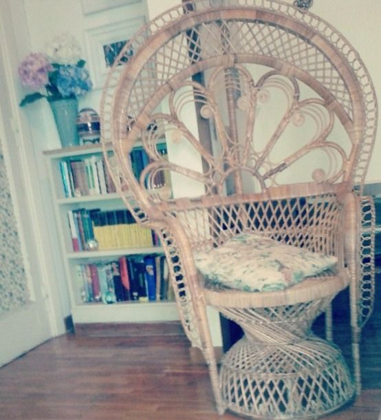 peacock chair emmanuelle vintage poltrona pavone 1960 vimini canna d'india midollino