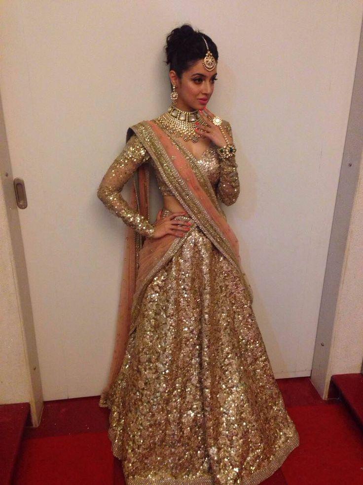 Divya Khosla In An Absolutely Stunning Gold Sparkling Sabyasachi #Lehenga.