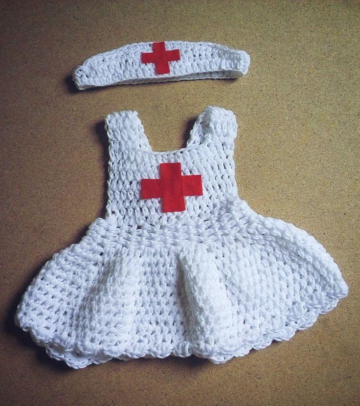 Kit confeccionado em fio antialérgico, próprio para bebê <br>Cor branco <br>Tamanho RN/1 a 3 meses <br>Para tamanhos maiores consulte