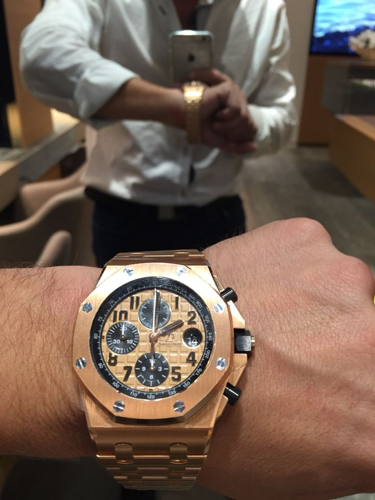 Monday motivation specially for me. I have 2 of this bad boys for sale. Will do excellent price on it. Contact us 18006353095. Not too many have passed in my hand. But now is the time to get it for the right price.    www.thetimeshoppers.com  #thetimeshoppers  #audemarspiguet #royaloakoffshore #rosegold #monday #rangerover #watchporn #wristporn #lovewatches #watchoftheday #watch #miamibeach #westpalmbeach #ftlauderdale #womw #wruw #limited #luxury #style #stylish #stars #⌚️ #blue…