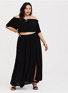 b4af449b8891 Softly textured gauze adds a breezy effect to a 2-piece set that s totally  black so you can mix and