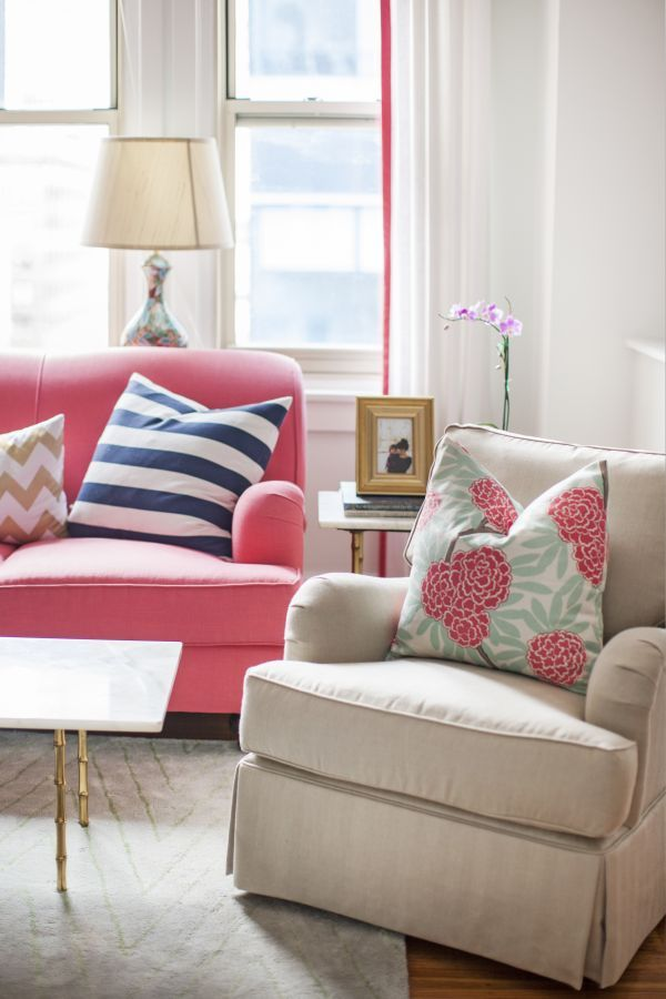 pink couch, mixed patterned pillows, gold accents, living room inspiration