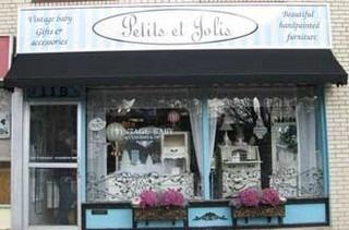 Antique Store / Canada  Petits et Jolis, Oakville Ontario